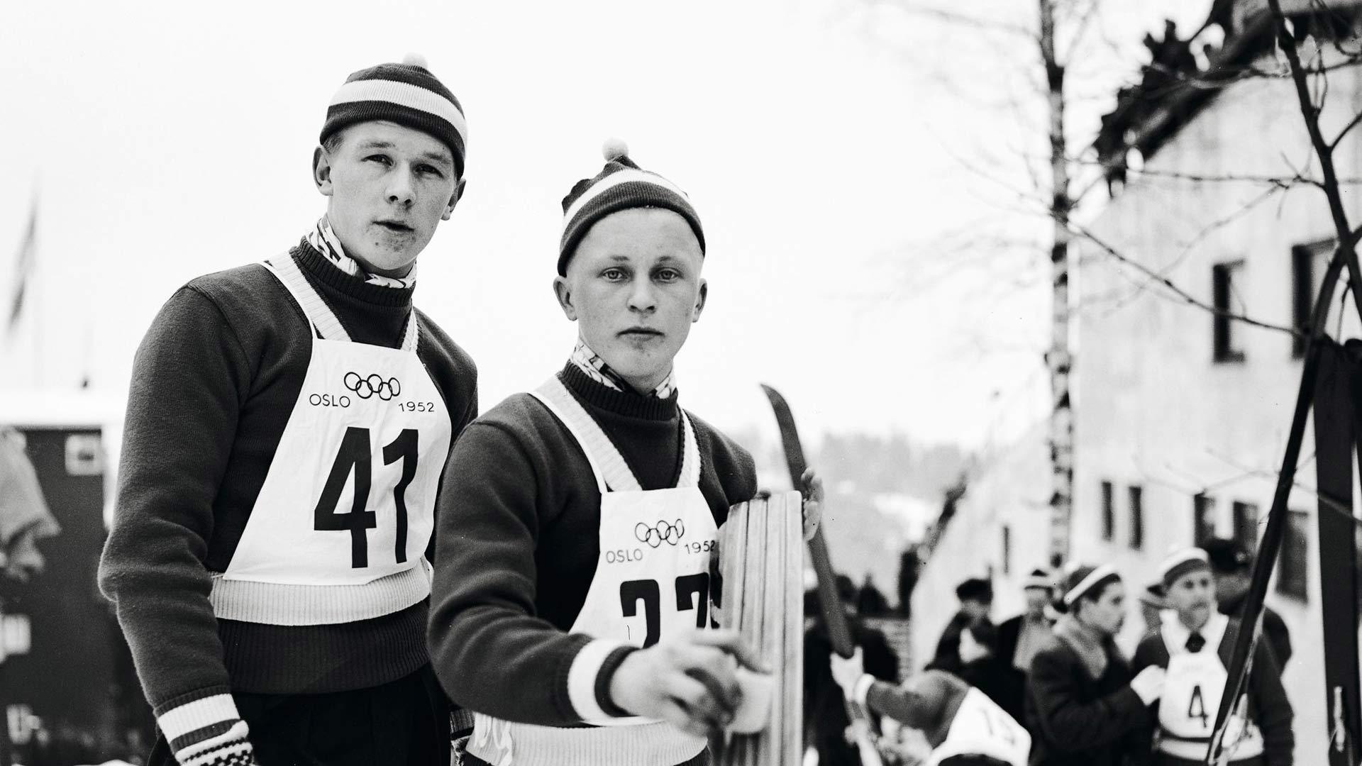 Oslon talviolympiakisoissa 1952 Suomea edustivat Antti Hyvärinen, oppipoika (vas.), ja Tauno Luiro, oppi-isä.