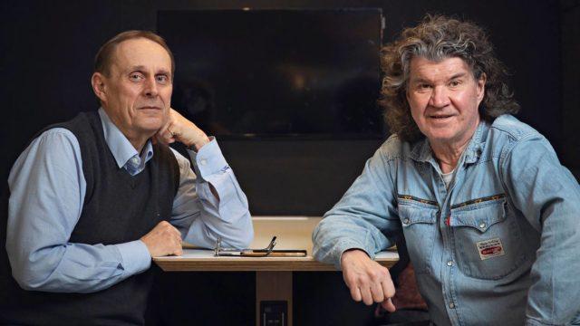 Pitkän linjan radiotoimittajat Jouko Vuolle (Kiveen hakatut) ja Tero Liete (Laiskanlinna)tunnetaan paremmin äänestään kuin ulkonäöstään.