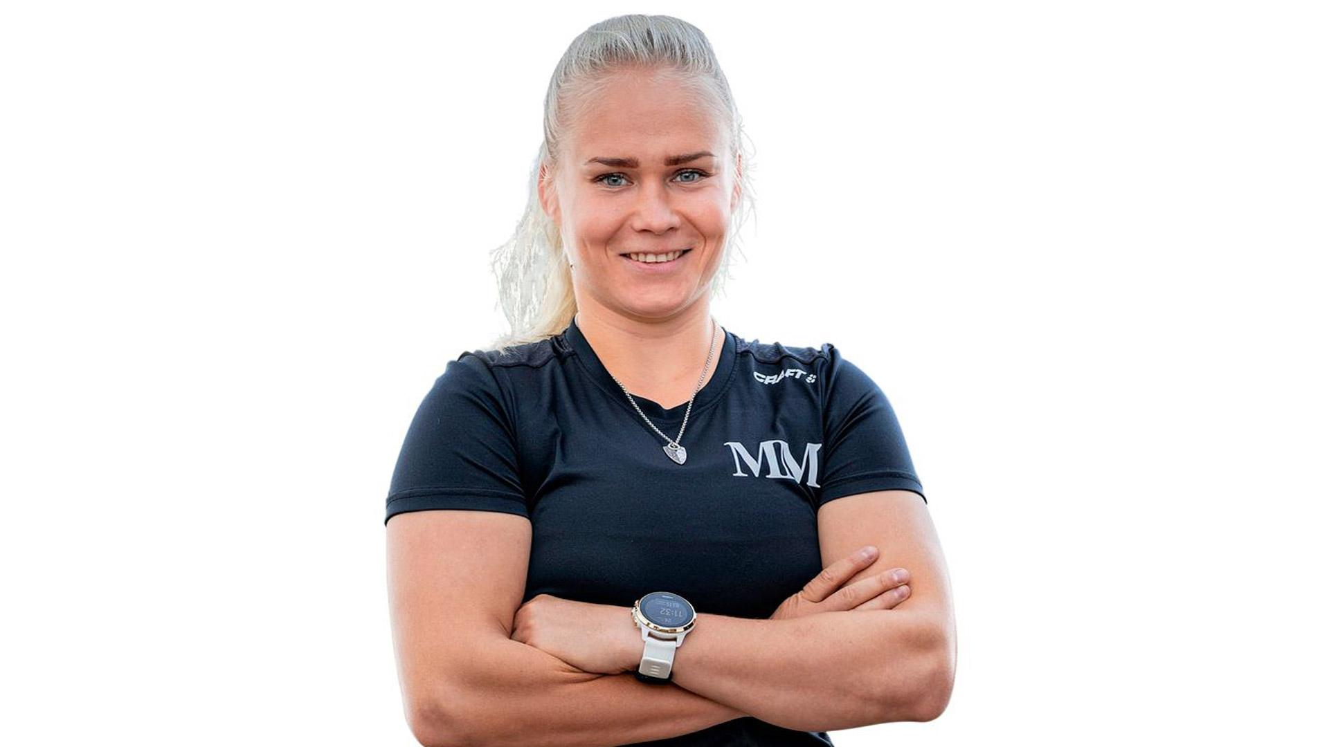 """""""Yritän pitää omaakin kuntoa vähän yllä. Olen käynyt hiihtelemässä ja sen sellaista"""", valmennushommiin siirtynyt entinen painija Petra Olli kertoi."""