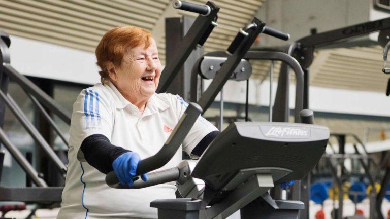 Kyllikki Koholle monipuolinen kuntoilu merkitsee liikunnan iloa.