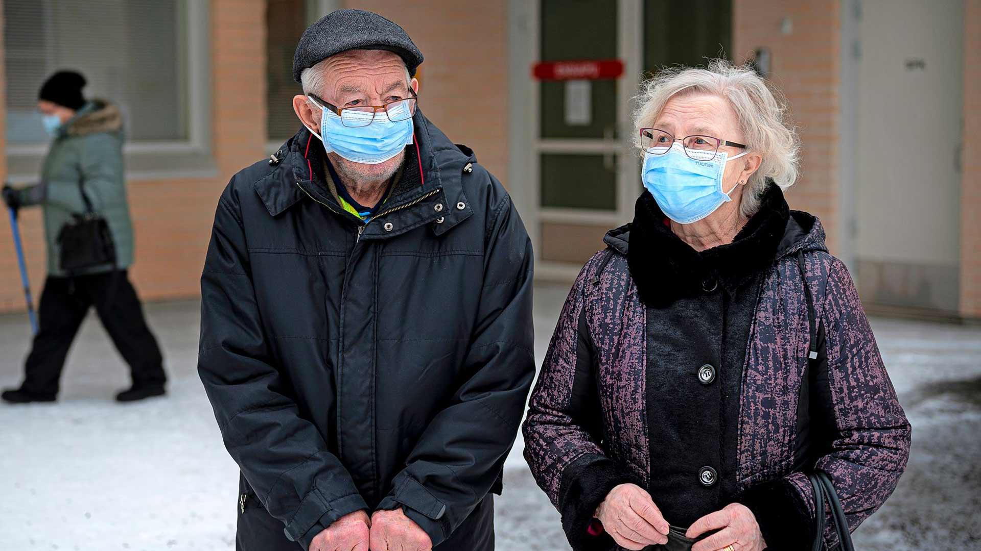 Jussi ja Laura Kyllönen elävät Sydänmaankylässä rauhallista arkea, jota korona ei juurikaan hätyyttele.