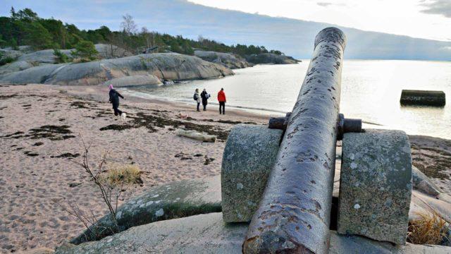 Venäläisten pommikoneiden matka Suomenlahden yli Viron rannikon Paldiskista Hankoon kesti vain 12 minuuttia.