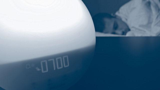Kallen vuorokausirytmiä ryhdyttiin siirtämään asteittain puoli tuntia aikaisemmaksi. Kirkasvalolamppu avusti aamuheräämisiä.