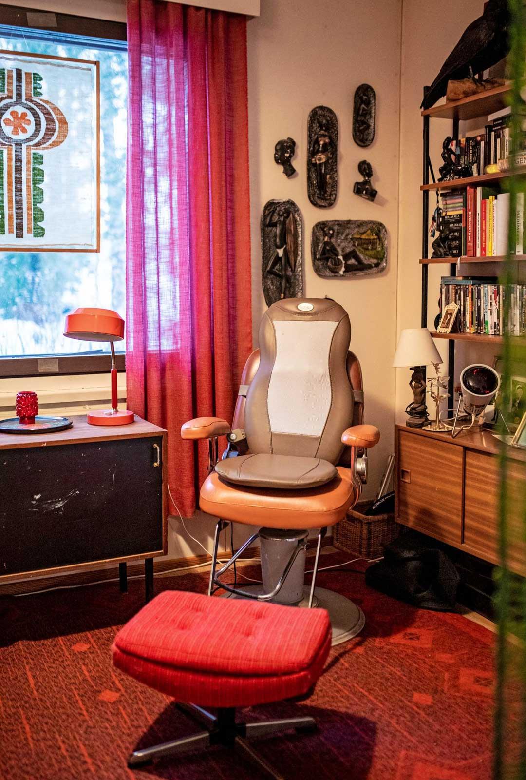 Vanhassa parturintuolissa otetaan hierontoja lähes päivittäin.