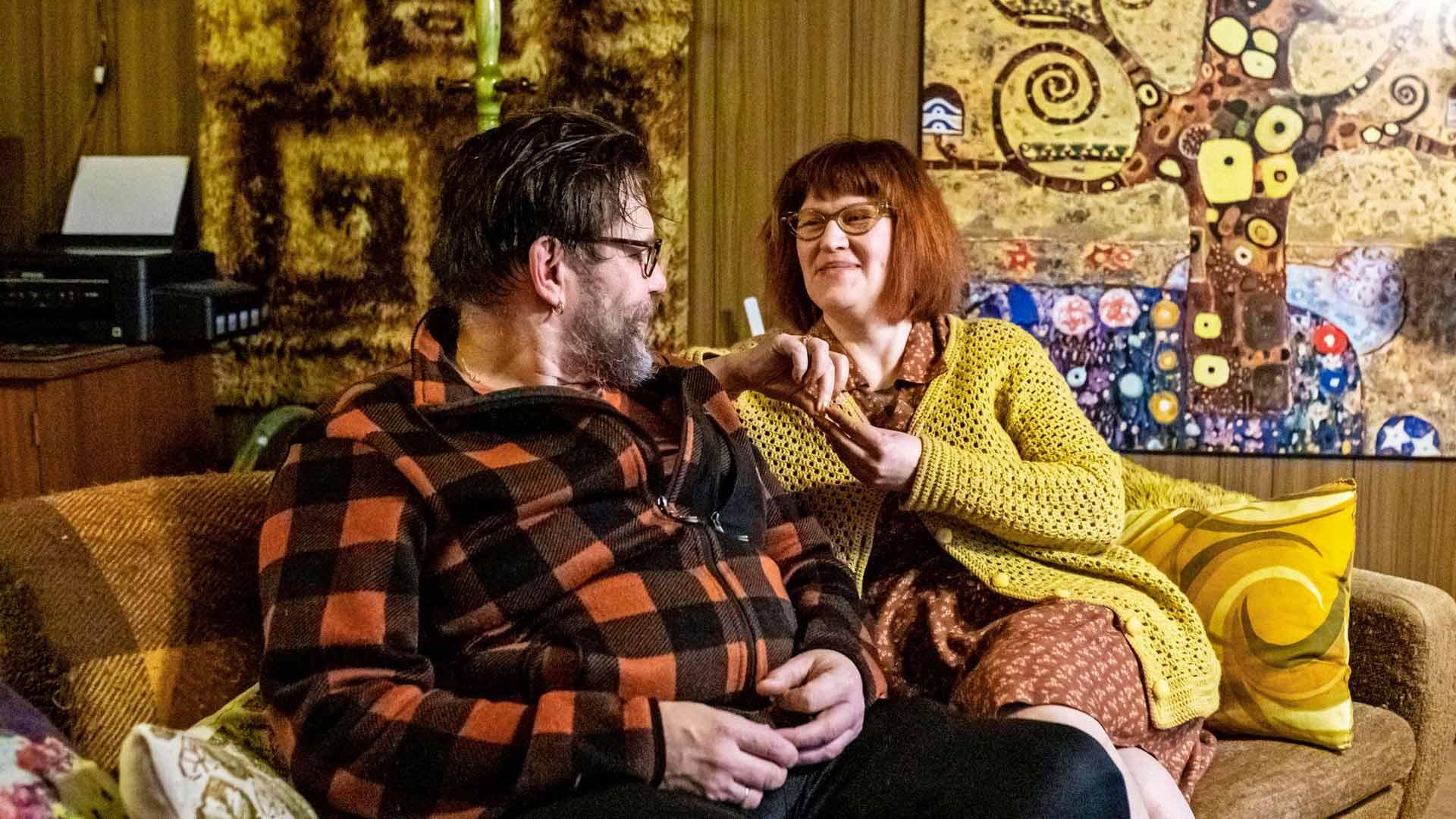 """""""Tämän kodin olemme sisustaneet yhdessä ja hyvin yksimielisesti"""", Lasse ja Sari sanovat."""