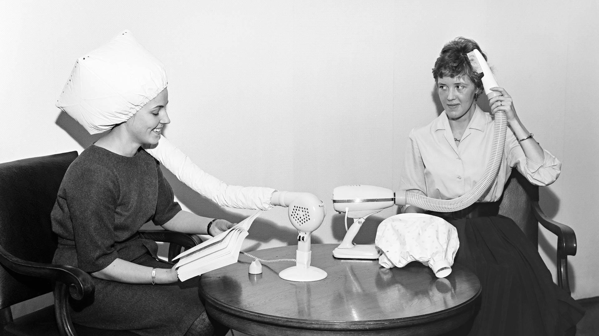 Hiustenkuivaaja vuodelta 1962.