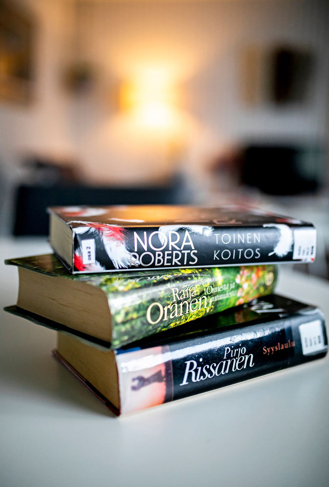 """""""Luen joka päivä, koska on mielenkiintoista ajatella kirjojen tapahtumia."""""""