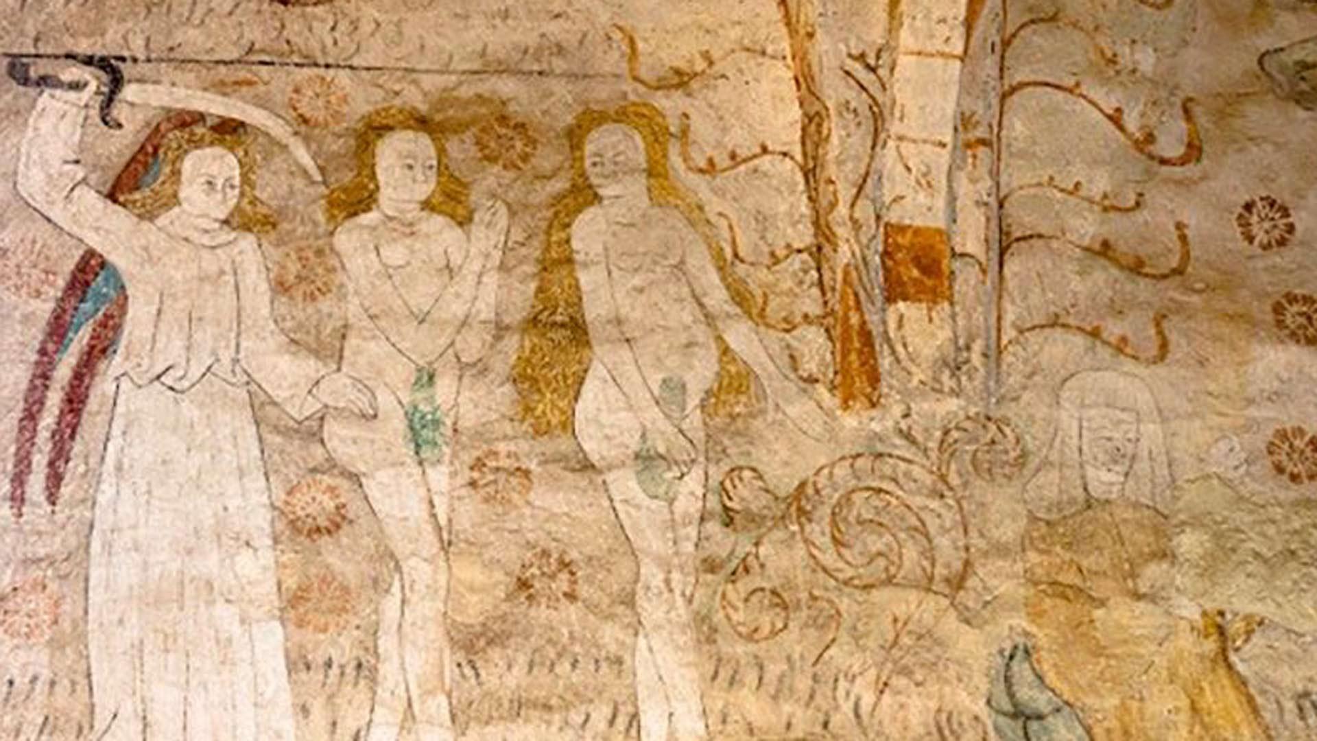 Kirkkoväki on tulkinnut Aatamin ja Eevan peittäneen strategiset paikkansa saunavihdoilla.