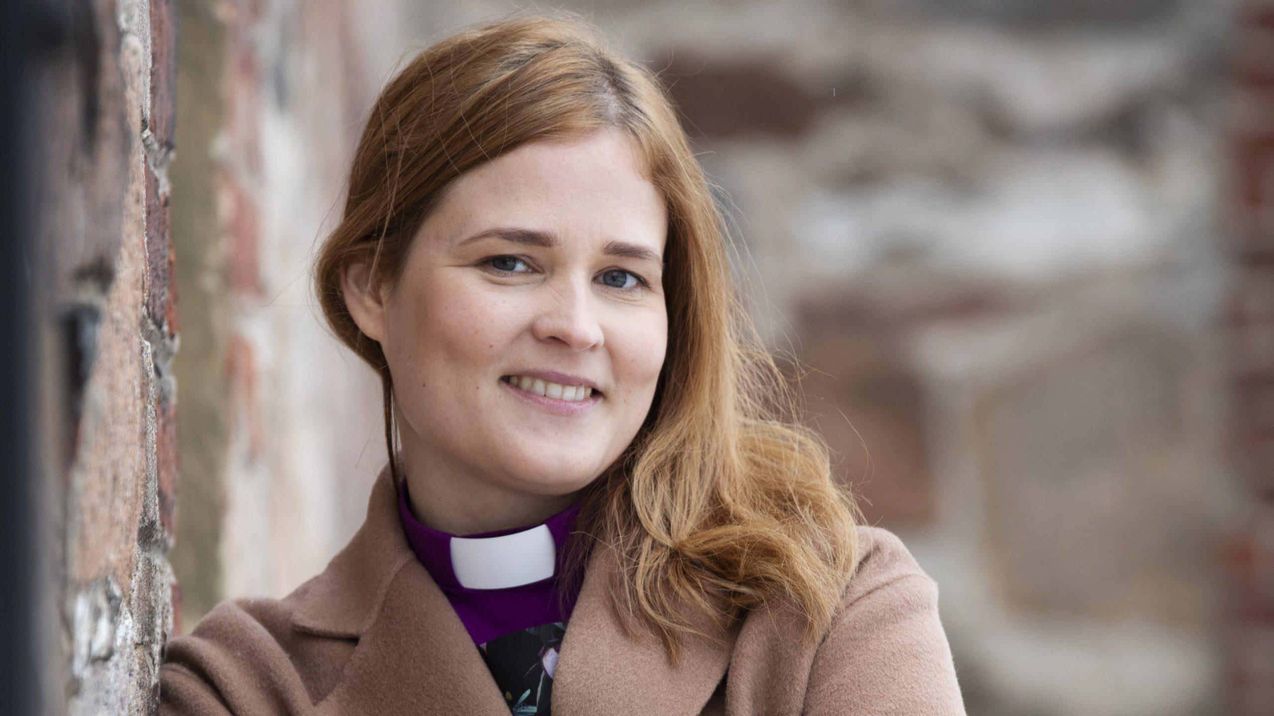 """Turun piispa Mari Leppänen koulutti aiemmassa työssään hiippakuntadekaanina muita kirkon työntekijöitä: """"Kannustin aina, että tehtäviin tarvitaan ihmisiä erilaisista taustoista."""""""