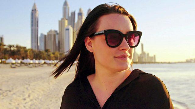 Tytöt Dubaissa – aurinkoa ja luksusjuhlia.