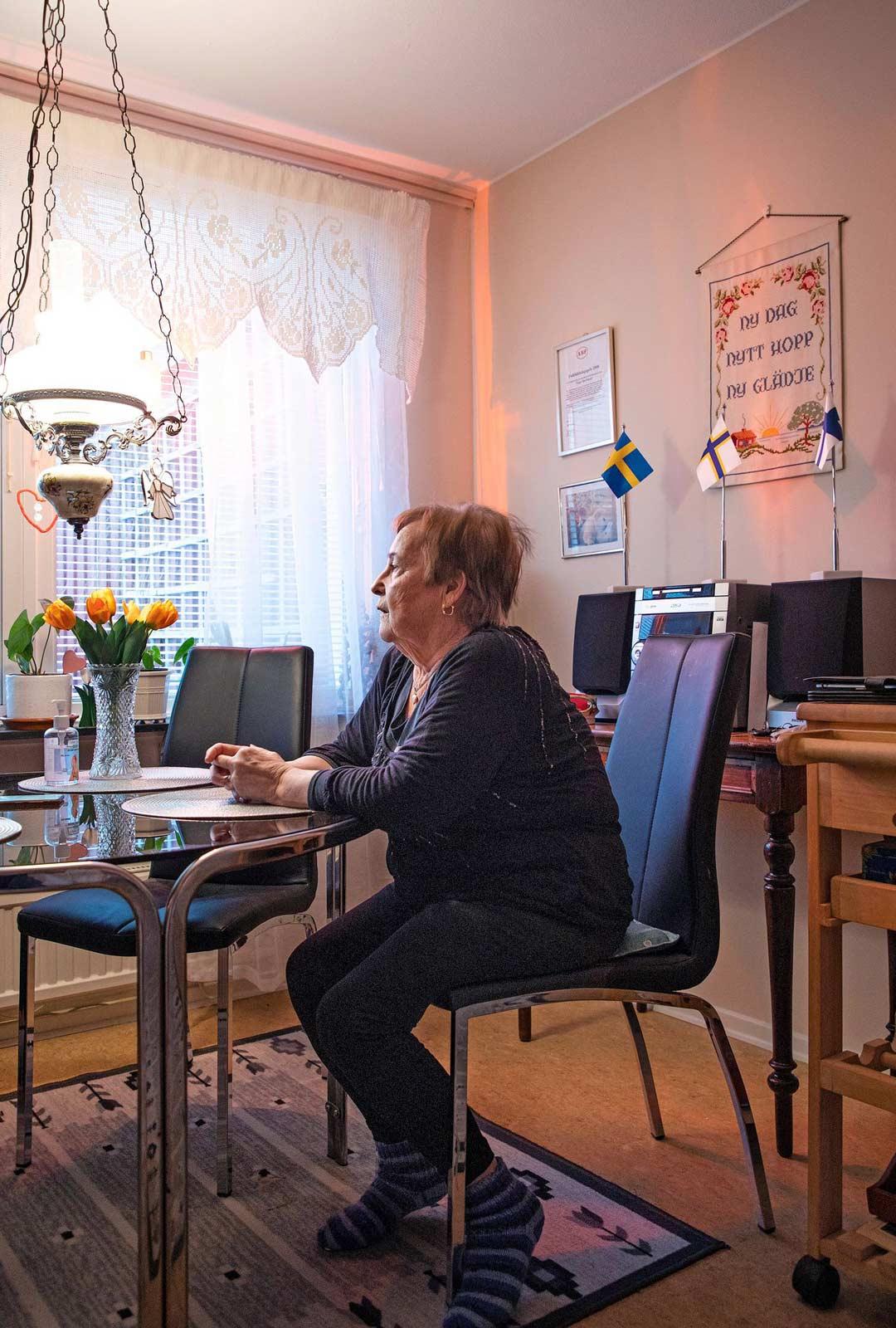 Tulkkina ja suomenopettajana työskennellyt Taimi Björklund on nykyisin aktiivi suomalaiseläkeläisten järjestössä. - Perusterveys on kantaruotsalaisia heikompi jo kuusikymppisillä, kun on tehty nuoresta asti raskaita töitä.
