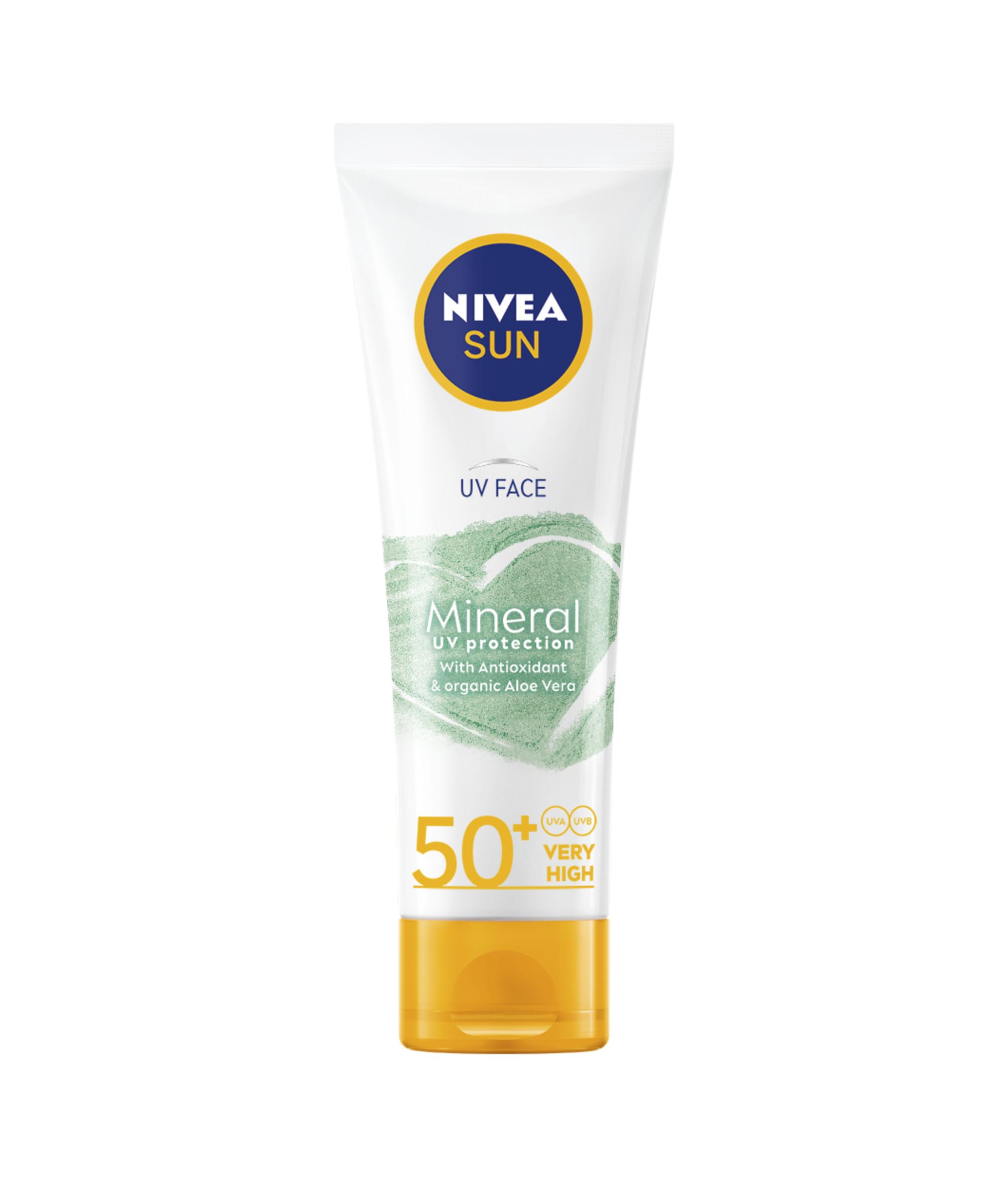 2. Fysikaalinen ja mineraalipohjainen aurinkovoide suojaa tehokkaasti ihoa vahingoittumiselta ja ennenaikaiselta ikääntymiseltä. Nivea Sun UV Face Mineral Mineral UV Protection SPF 50+ -aurinkovoide kasvoille. Noin 14,65 €/50 ML.