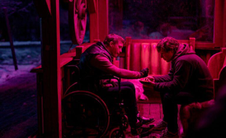 Pelle Heikkilä ja Eero Milonoff näyttelevät Welcome to Utmark -sarjassa ruotsiksi. Heikkilälle ruotsi on äidinkieli, kun taas Milonoff on treenannut kouluruotsiaan työssä.