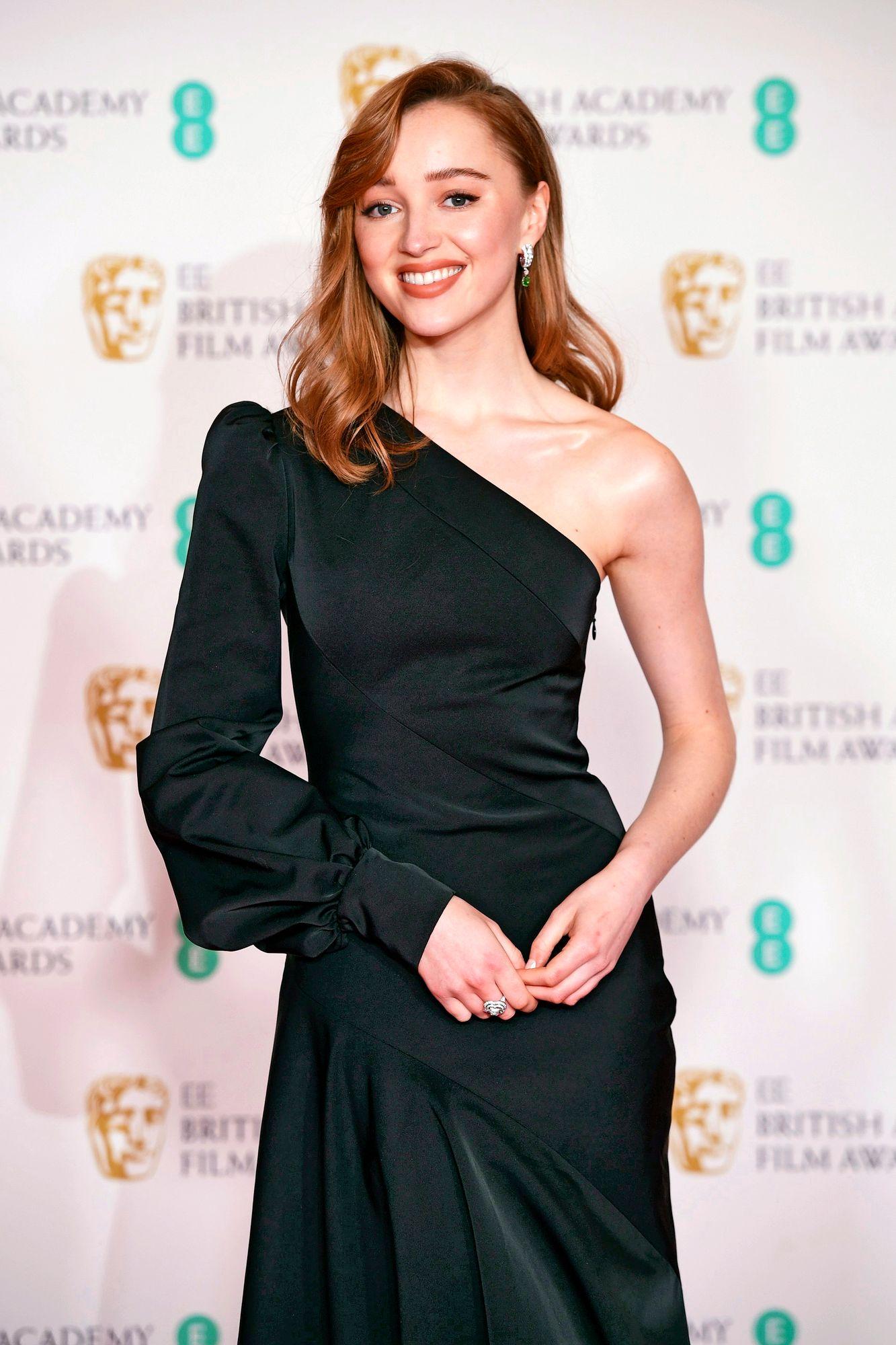 Näyttelijä Phoebe Dynevorin on voinut bongata Netflixissä pyörivästä Bridgerton -hittisarjasta. © Ian West / PA Images / MVPhotos