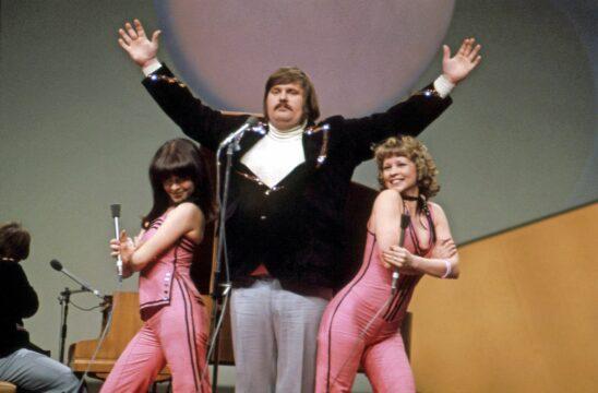 Fredi edusti Suomea Euroviisuissa 1976 kappaleella Pump pump (Pylly vasten pyllyä). Koreografian esitykseen teki Aira Samulin. © Otavamedian arkisto