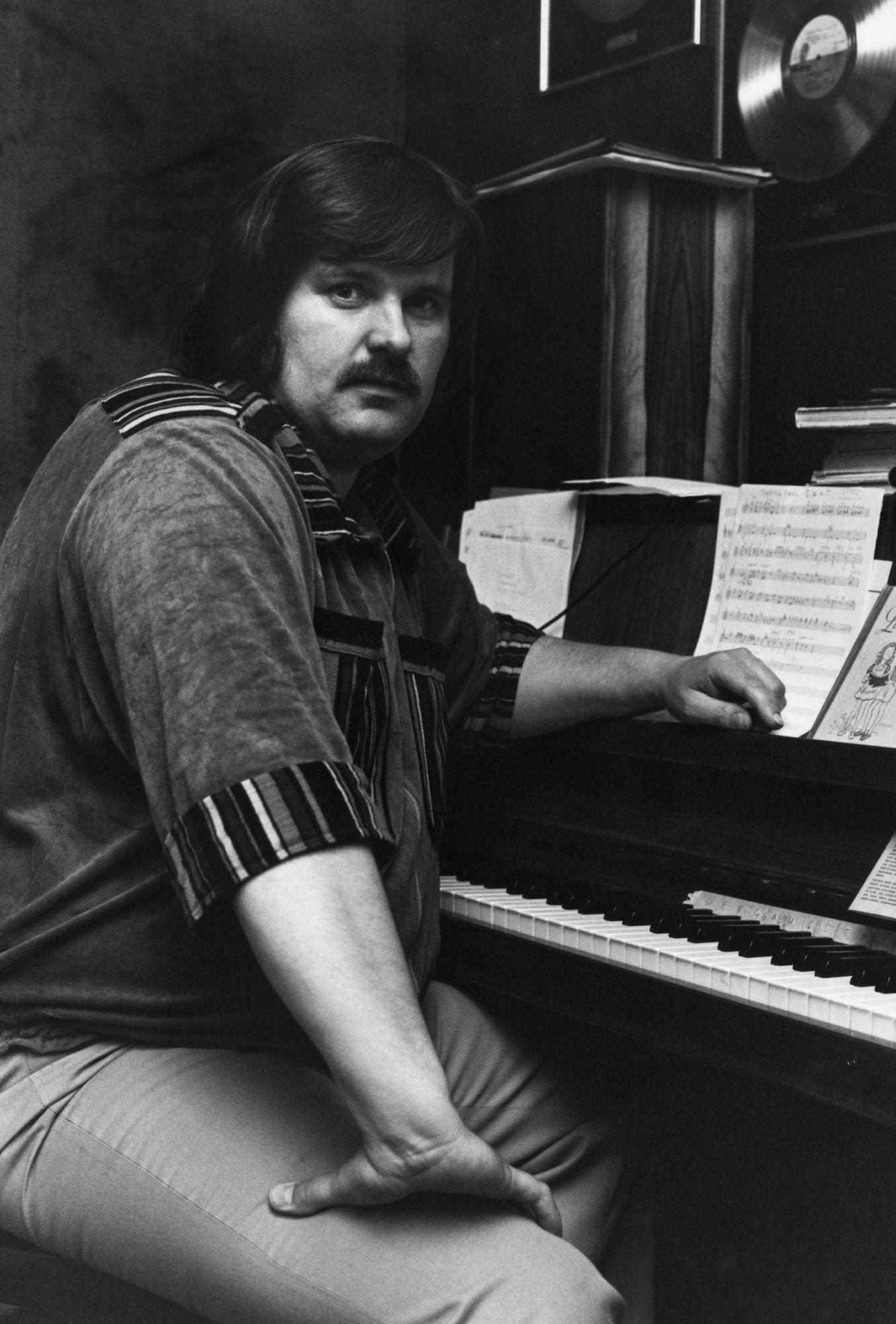 Fredi sävelsi hittejä niin itselleen kuin muillekin artisteille.