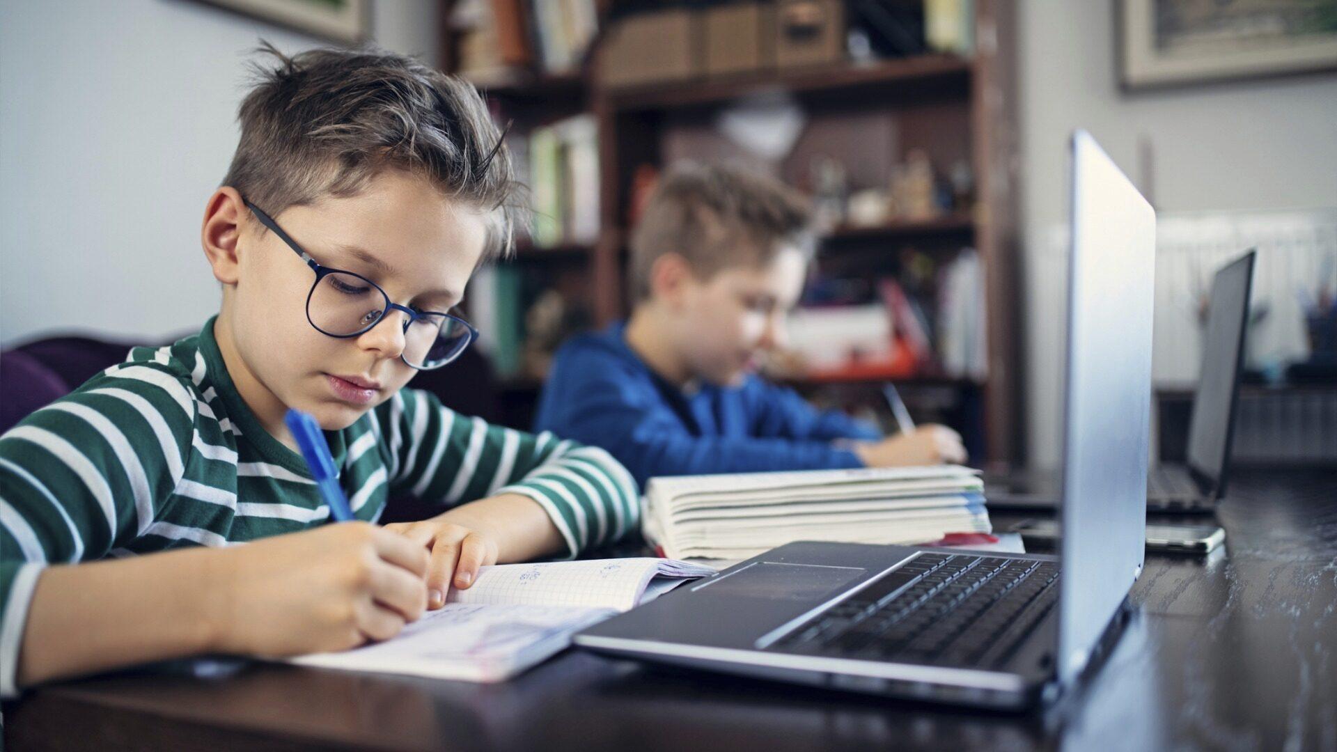 Oppimishäiriö diagnosoidaan herkimmin luokkansa nuorimmilla oppilailla.
