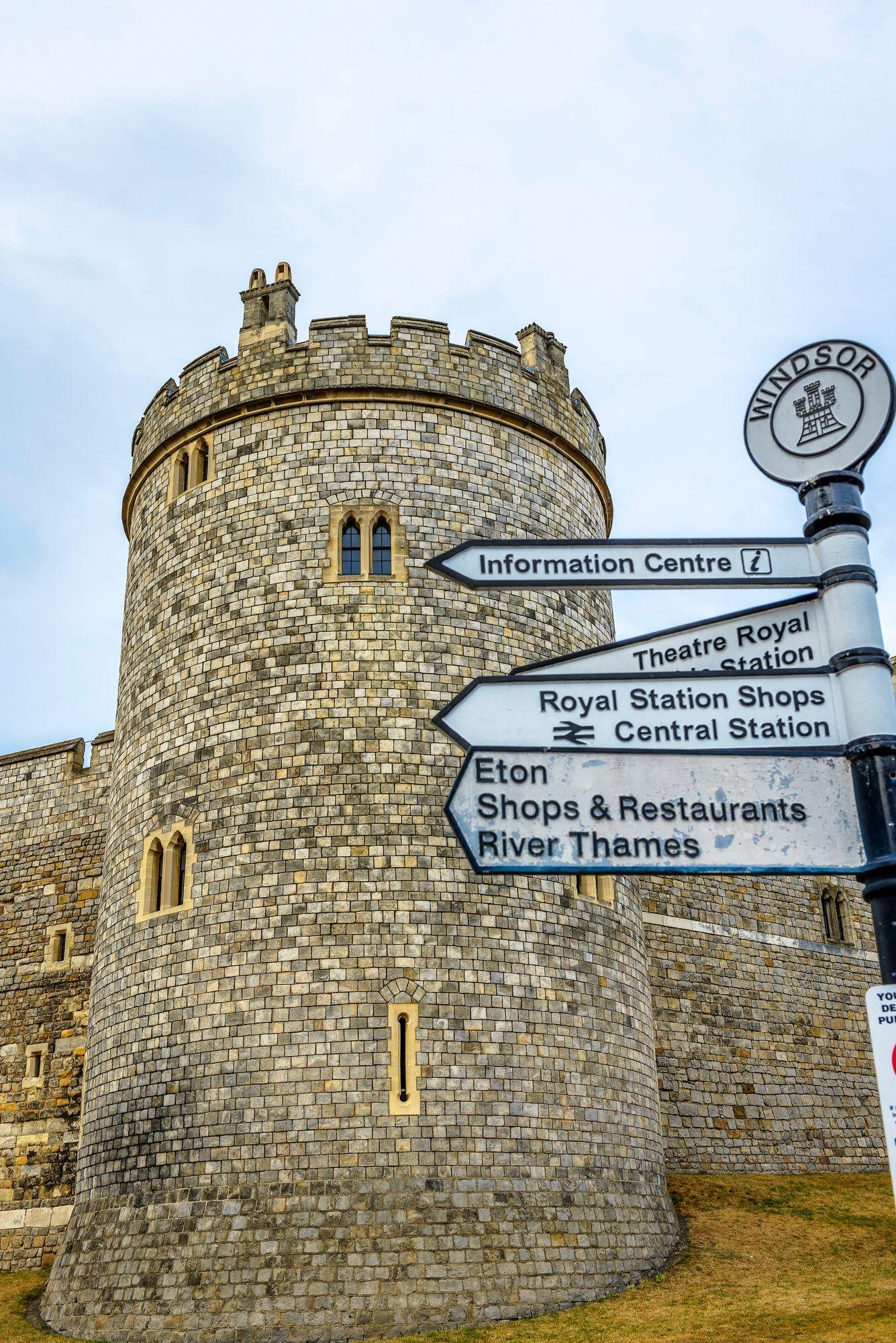 Windsorin linna on maailman suurin asuttu linna.