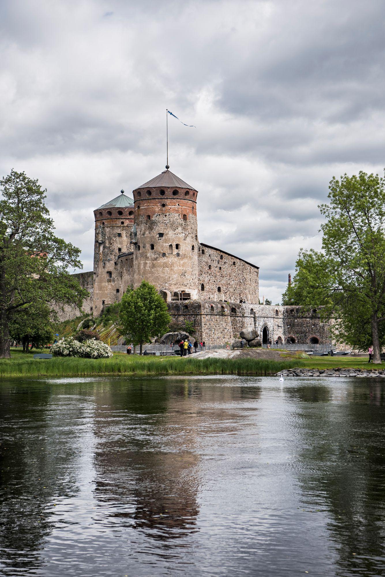 Saimaan reissulla kannattaa poiketa myös Olavinlinnassa. © Vesa Tyni / Otavamedia