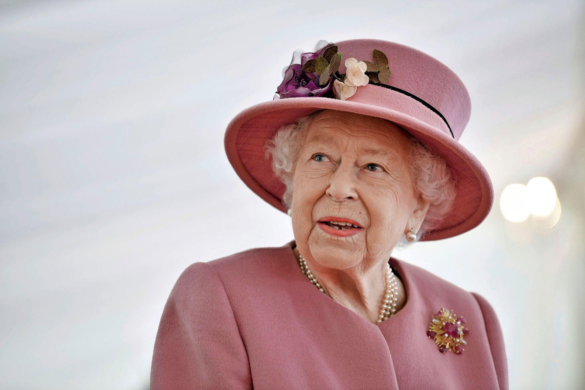 """Kuningatar"