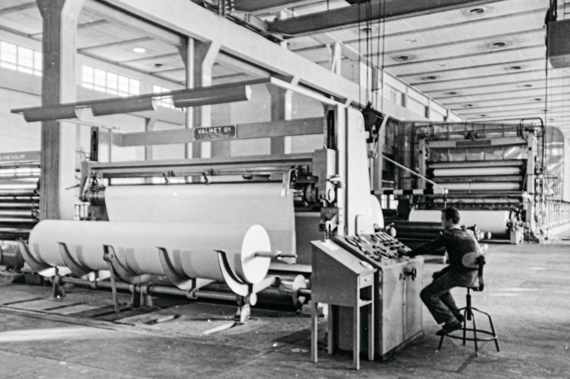 PK1 oli 50-luvulla Euroopan suurin paperikone 30000 tonnin vuosituotantokapasiteetillaan. Kun kone suljettiin vuonna 2014, sen kapasiteetti oli kasvanut 180000 tonniin vuodessa. © Stora Enson arkisto