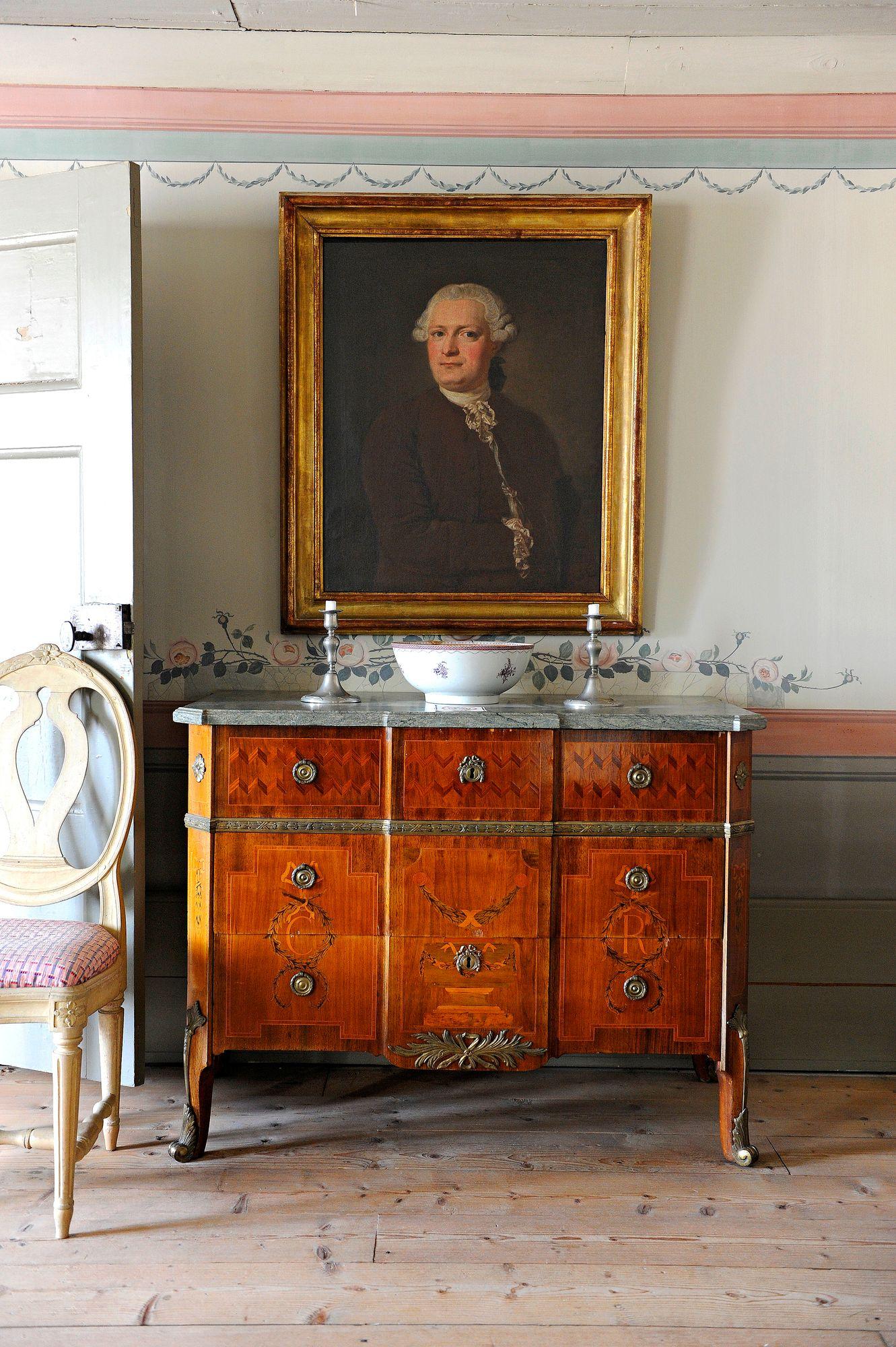 Kauppiasperheiden vauraus 1700–1800-luvuilla näkyy Lebellin kauppiaantalon museossa. © Harri Vaskimo