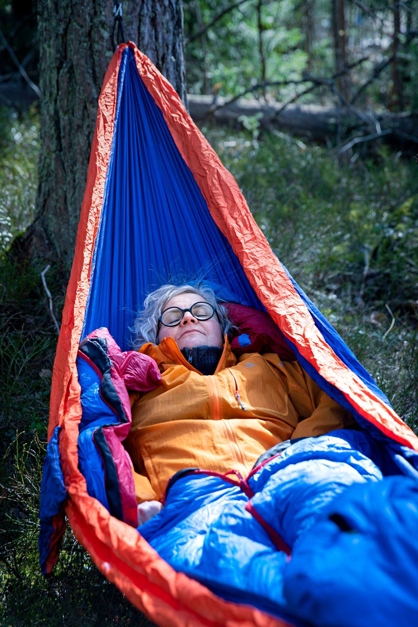 Sabina herää virkeänä yön jälkeen