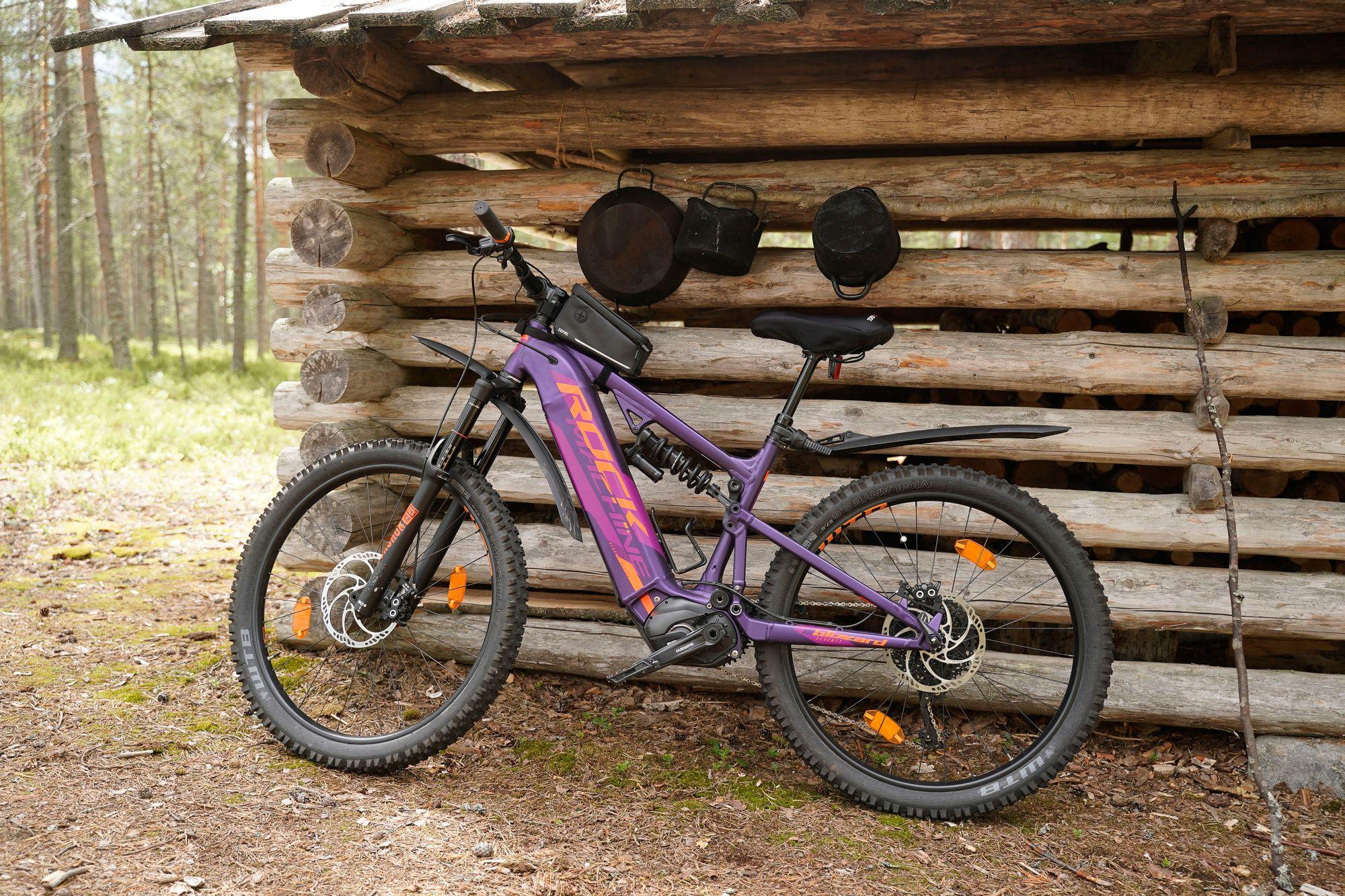 Pyöräretki metsässä saa ajatukset pois stressaavista asioista. © Timo Aalto