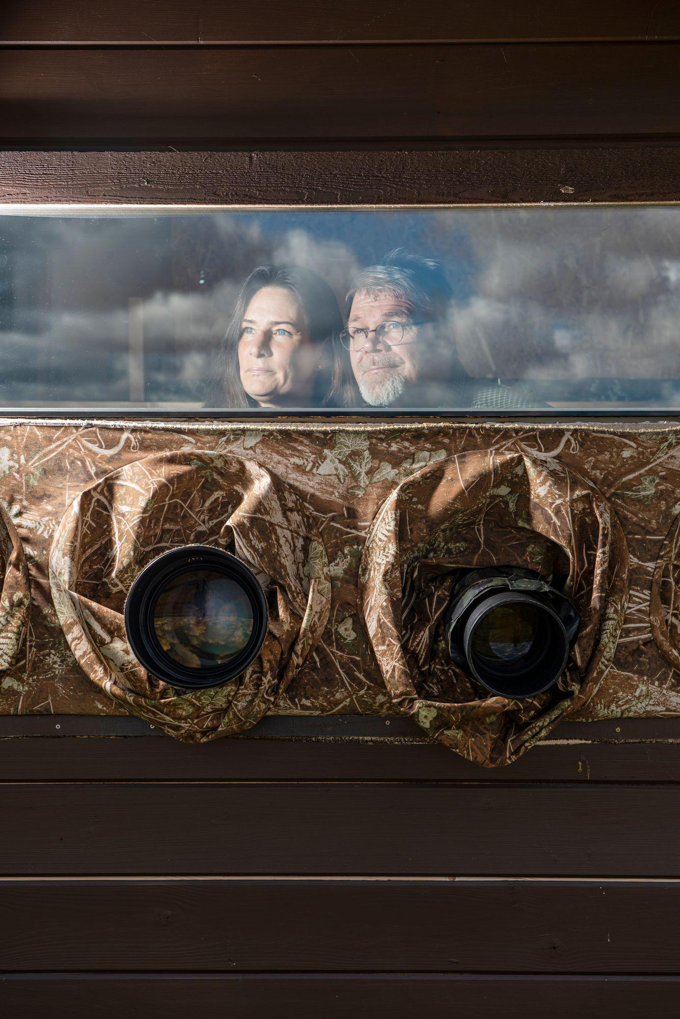 Luontokuvaus yhdisti, mutta ristiriidoilta ei vältytty, kun työtovereista tuli pari. Vaikeuksien jälkeen Anne ja Lassi luottavat tulevaisuuteen. © Vesa Tyni