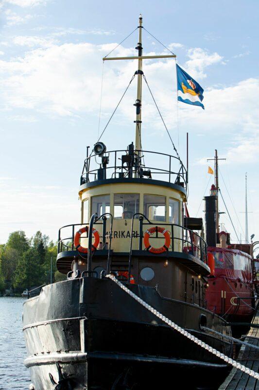 Merikarhu-alus sijaitsee Haminan Tervasaaressa.