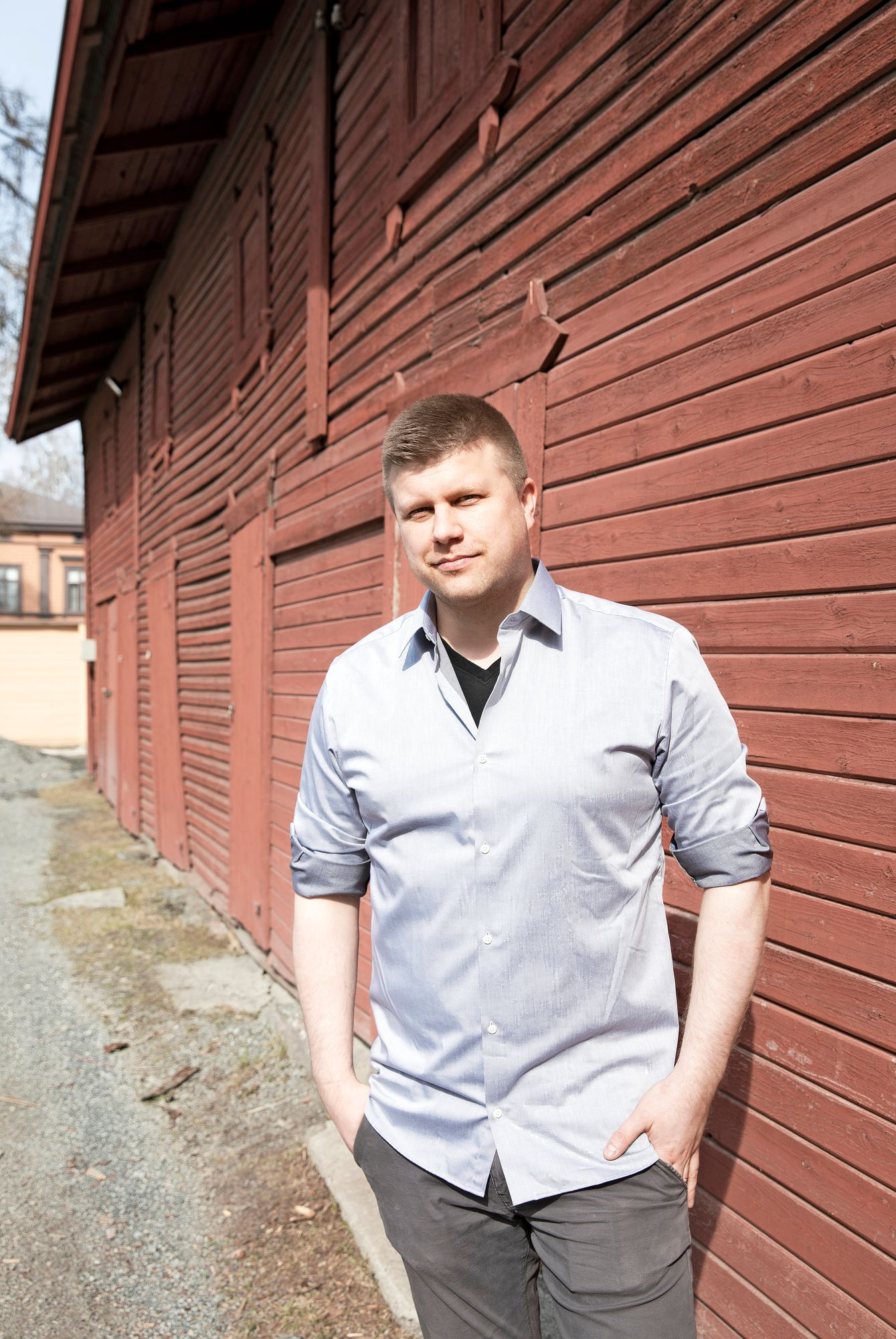 Yrityksen toimitusjohtaja Perttu Partanen on työskennellyt leipomolla 18-vuotiaasta saakka. Autolähetiksi hän ryhtyi heti ajokortin saatuaan. © Riikka Hurri