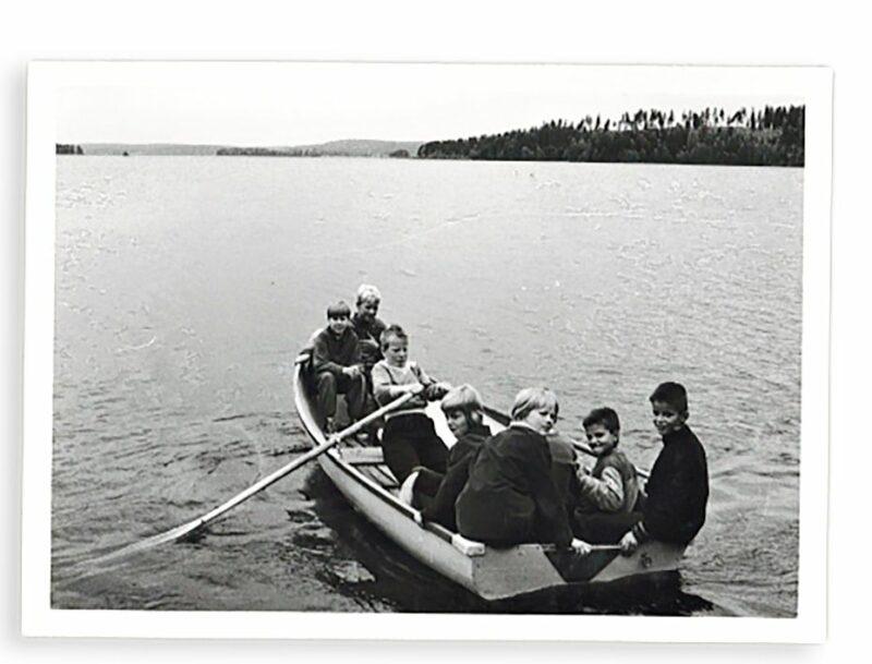 """Roope sai soutaa Siuron Huvilaniemestä lähisaareen. <span class=""""typography__copyright"""">© Tertun kotialbumi</span>"""