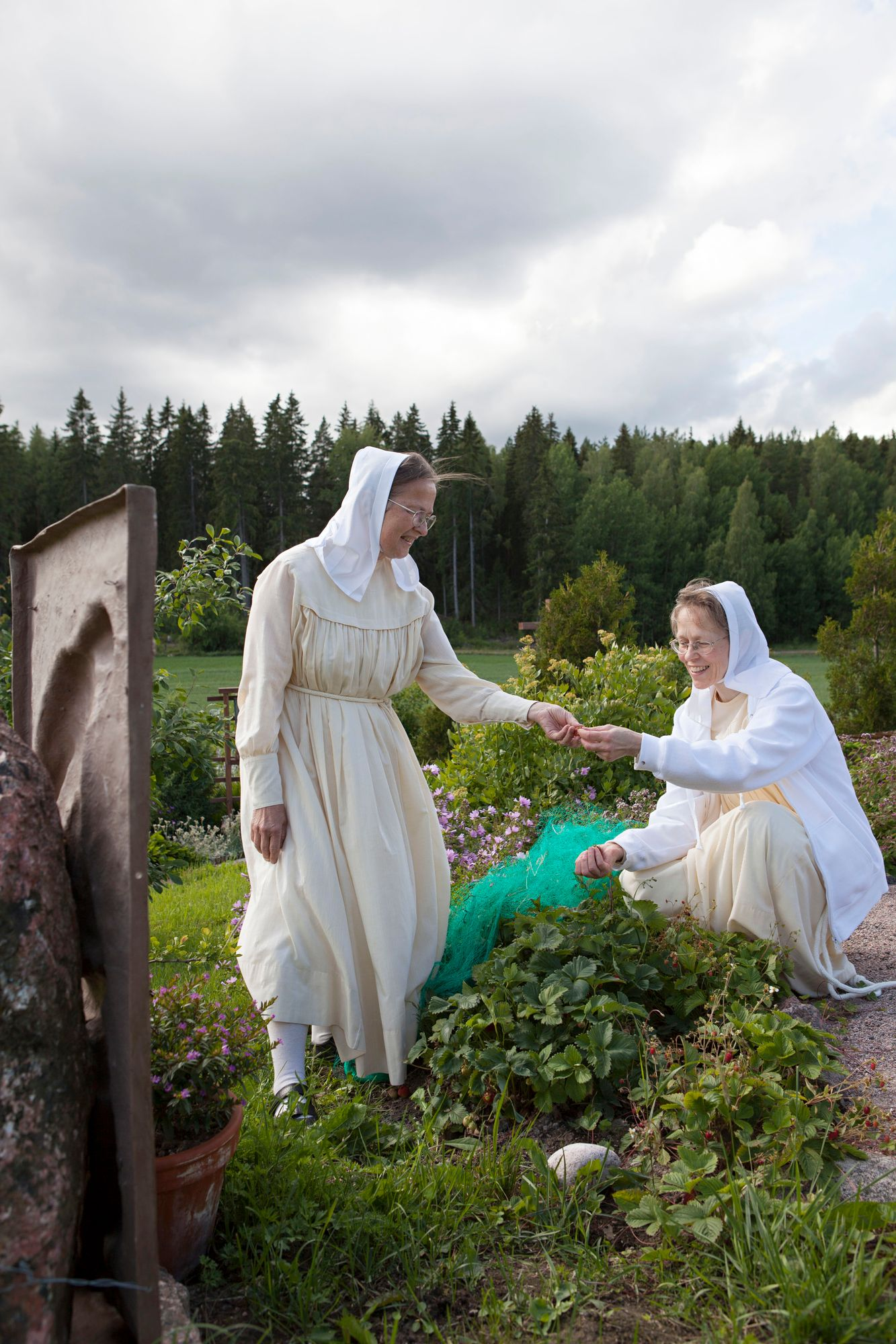 nunnat ja sisar Eugenia ja sisar Pnina