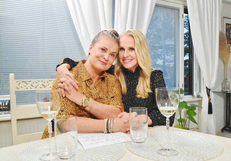 Anne Issakainen ja Joanna Kuvaja © MTV3