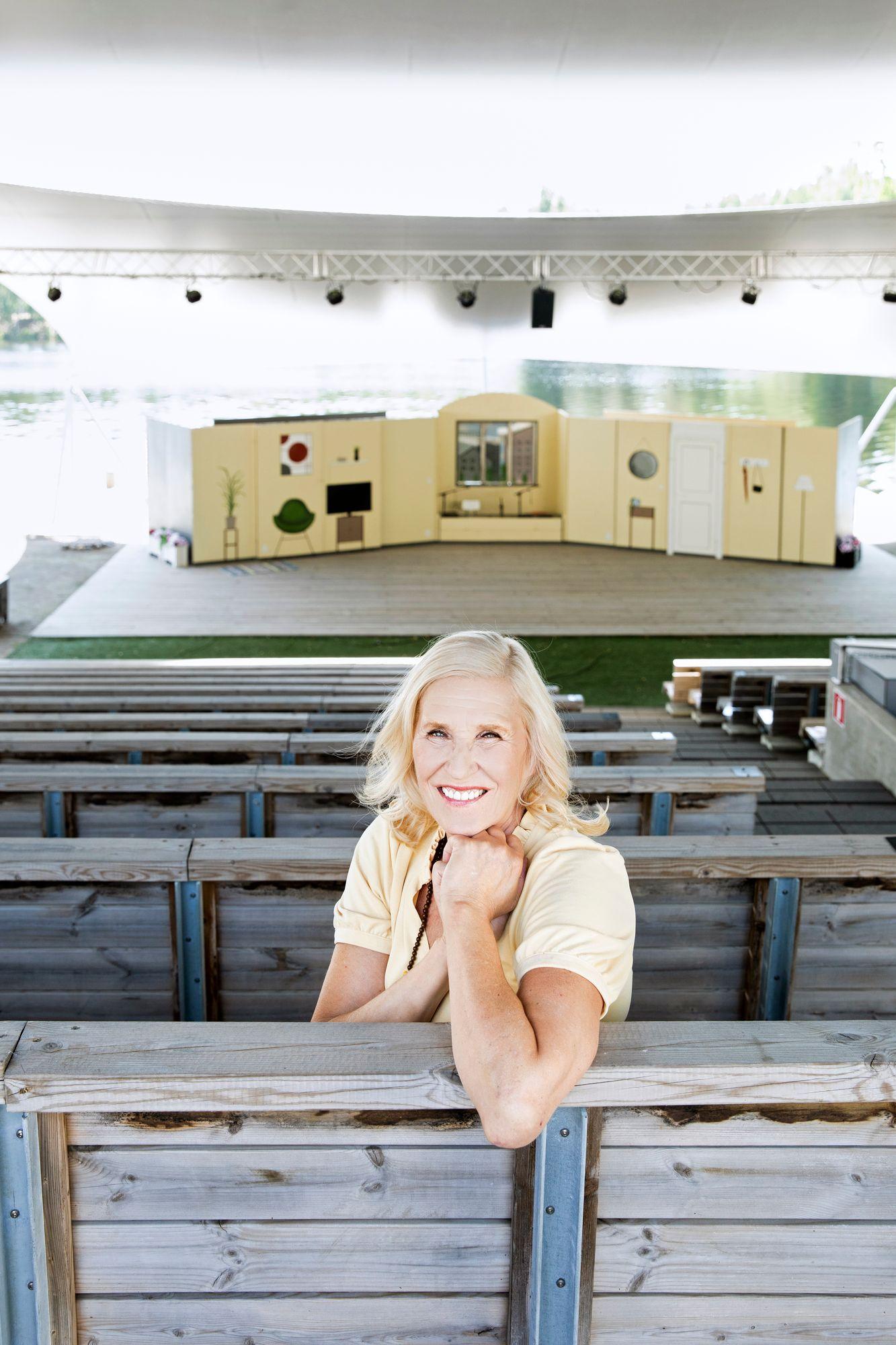 Utran Uuden Teatterin kesäproduktio on työllistänyt Eijaa heinäkuun ajan Joensuussa. Työt Helsingin kaupunginteatterissa pyörähtävät jälleen käyntiin elokuun lopulla. © Riikka Hurri