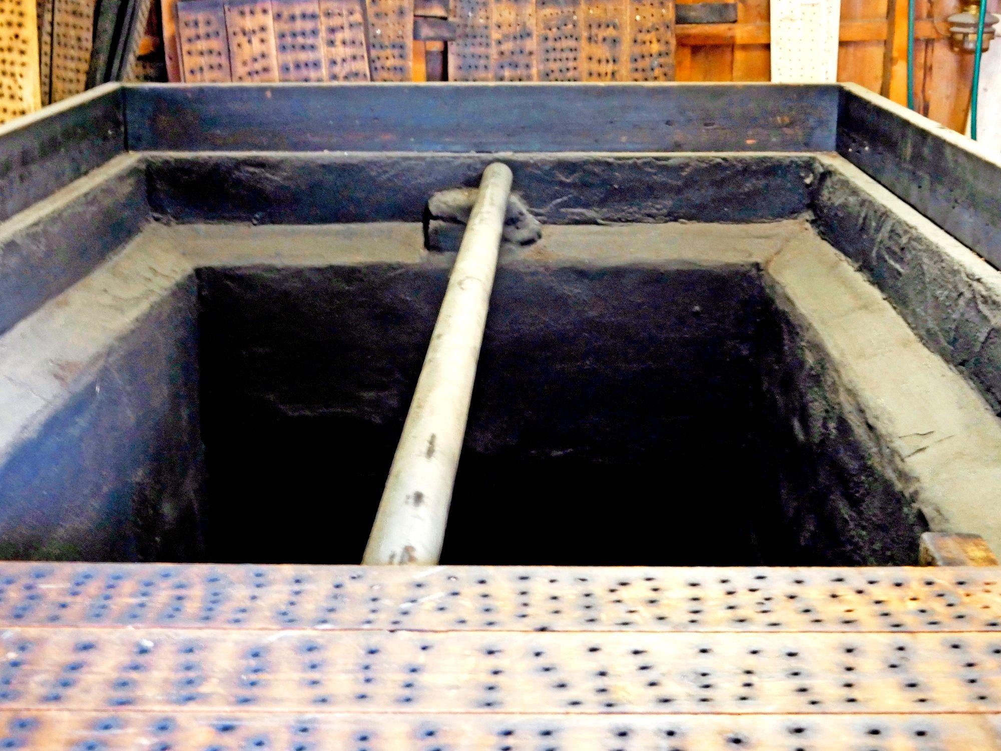 Perinteinen yhä käytössä oleva kotimallastamo Stjørdalissa Norjassa. Maltaista tehdään sahdin kaltaista perinneolutta omaan käyttöön. © Mika Laitinen