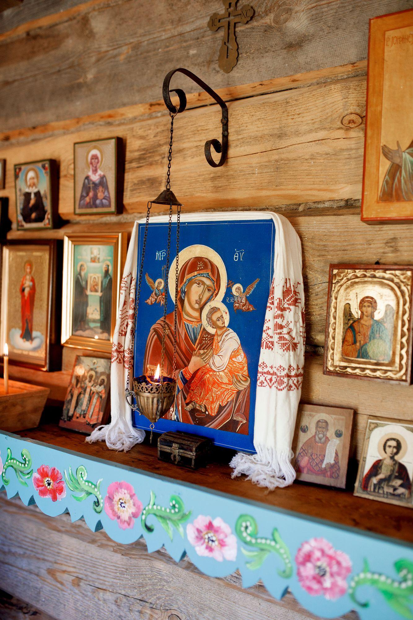 Tsasounan kauneimpiin ikoneihin kuuluu Kärsimyksen Jumalanäidin ikoni. Praasniekka juhlistaa sitä. © Hanna-Kaisa Hämäläinen