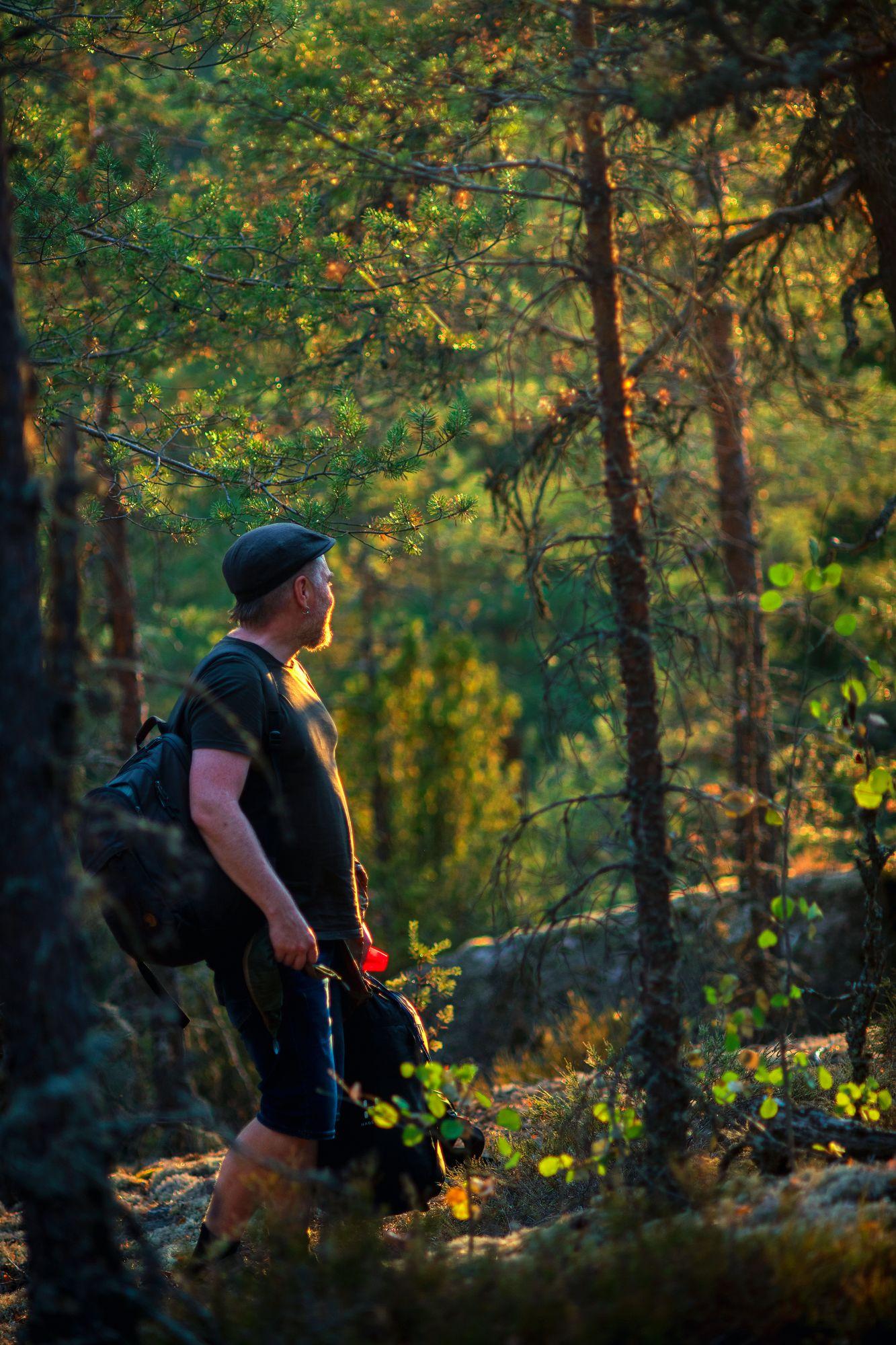 Olen ehdottomasti henkilö, joka mieltää itsensä kansallisromanttiseksi metsissä samoilijaksi, linnuille ja oraville puhelijaksi ja puiden halailijaksi. Silti todellisuus on toisenlainen. © Sampo Korhonen