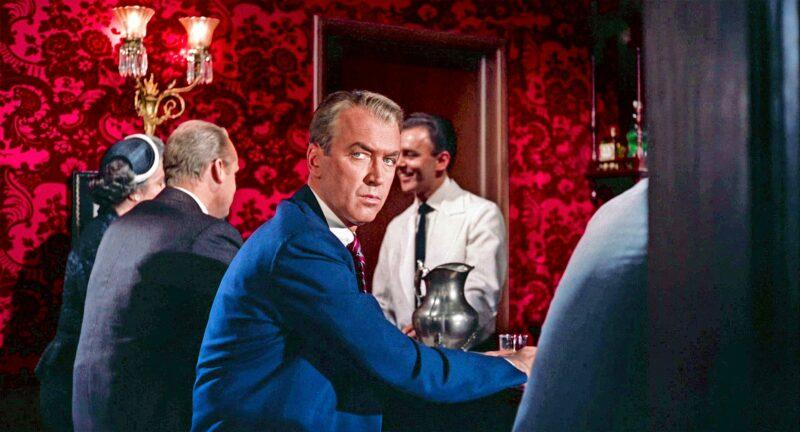 James Stewart oli Alfred Hitchcockin vakionäyttelijä, joka oli Vertigon lisäksi pääosassa elokuvissa Köysi, Takaikkuna sekä Mies joka tiesi liikaa. ©  NBC Universal