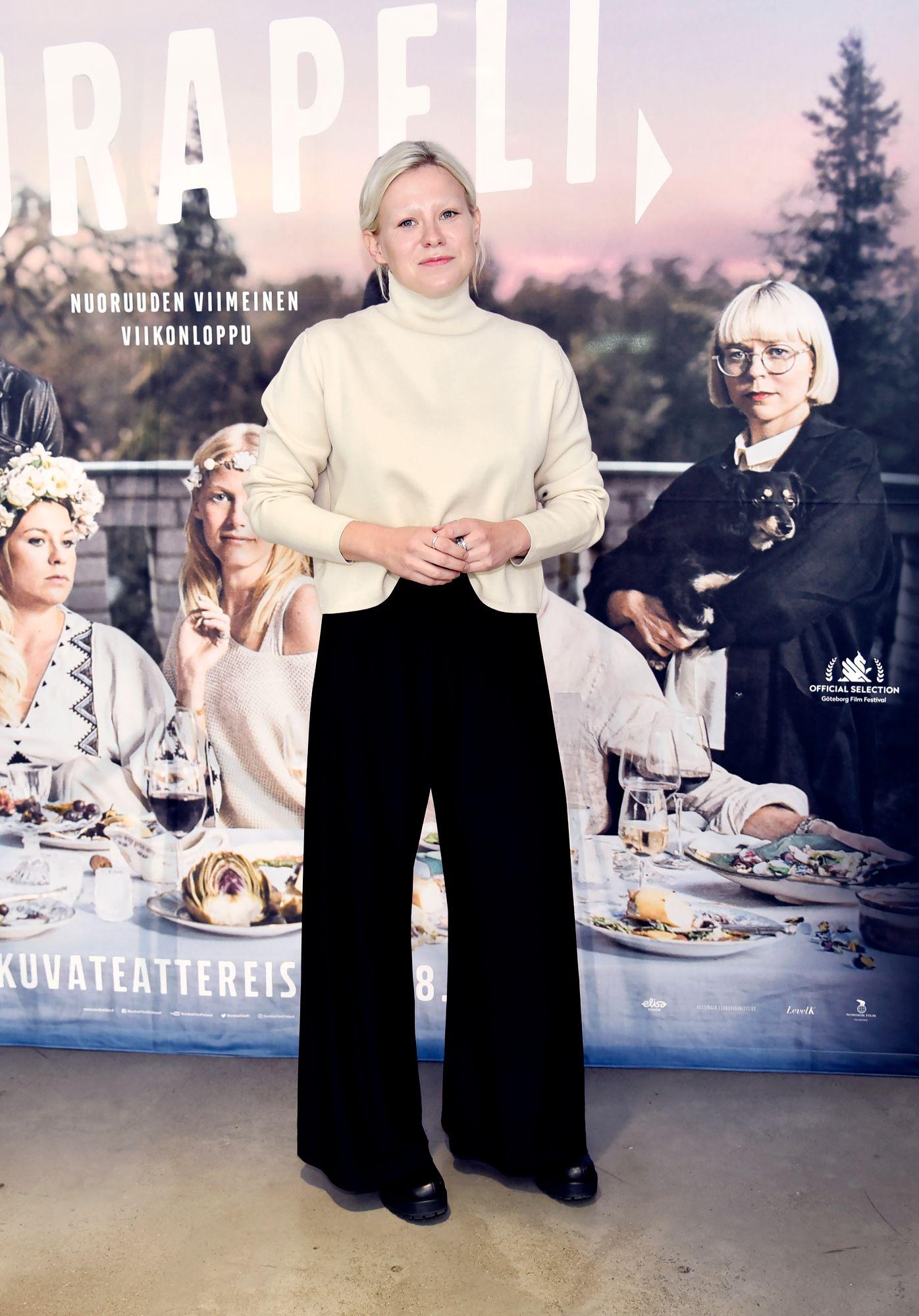 """""""Oli mahtavaa hypätä uuteen kauteen. Paljon haasteita ja kehitystä tapahtuu koko sarjassa"""", sanoi näyttelijä Emmi Parviainen, joka on tehnyt lisäksi Auli Mantilan ohjaamaa Transport -sarjaa. © Otavamedian arkisto"""