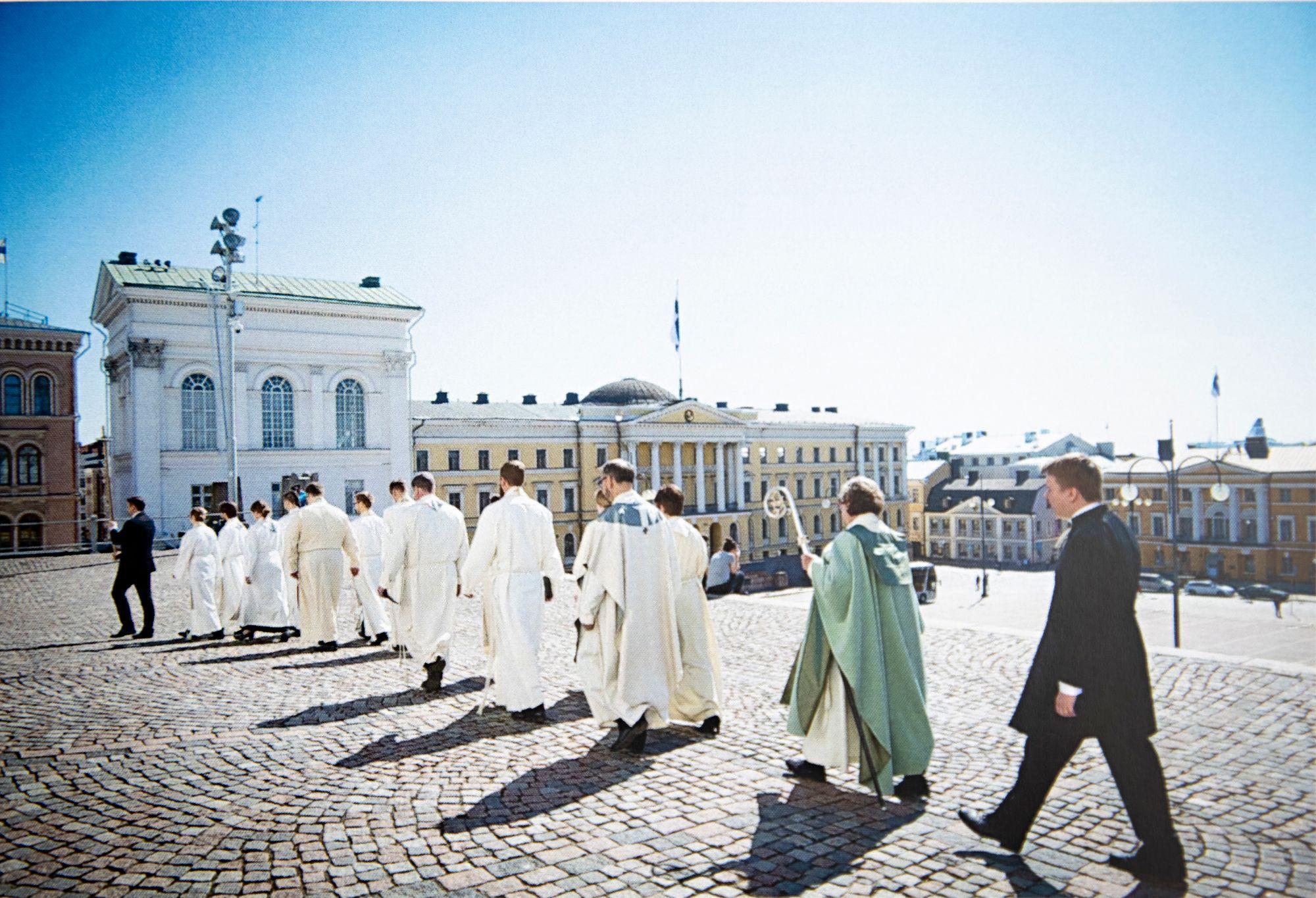 """Helsinkiin Irja Askola muutti teologian opintojen perässä vuonna 1971. """"Olin maalaistyttö vieraassa kaupungissa."""" © Vessi Hamalainen"""