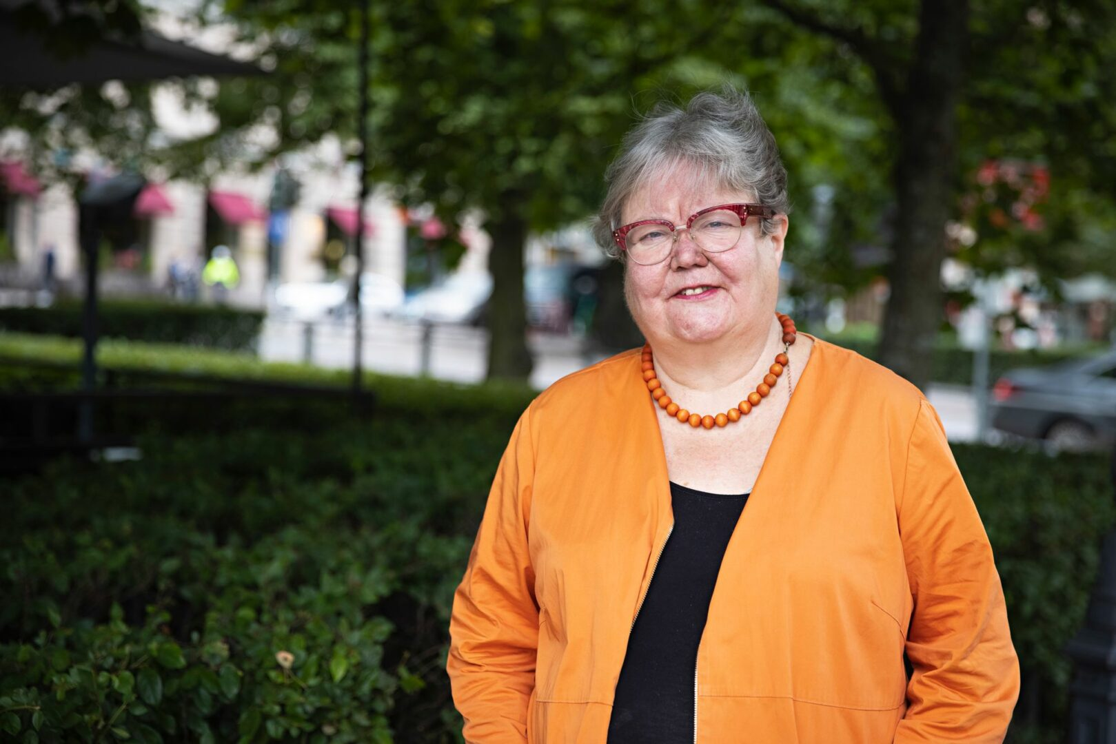 Suomen ensimmäinen naispiispa Irja Askola