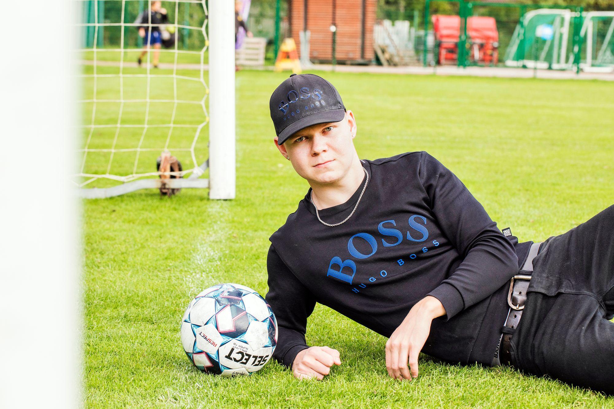 Lukas Kuivalainen täyttää syksyllä 18 vuotta ja lopettaa pian pelit Iceheartsissa. Hän haluaisi kuitenkin löytää joukkueen, jossa jatkaa pelaamista. © Jonne Räsänen