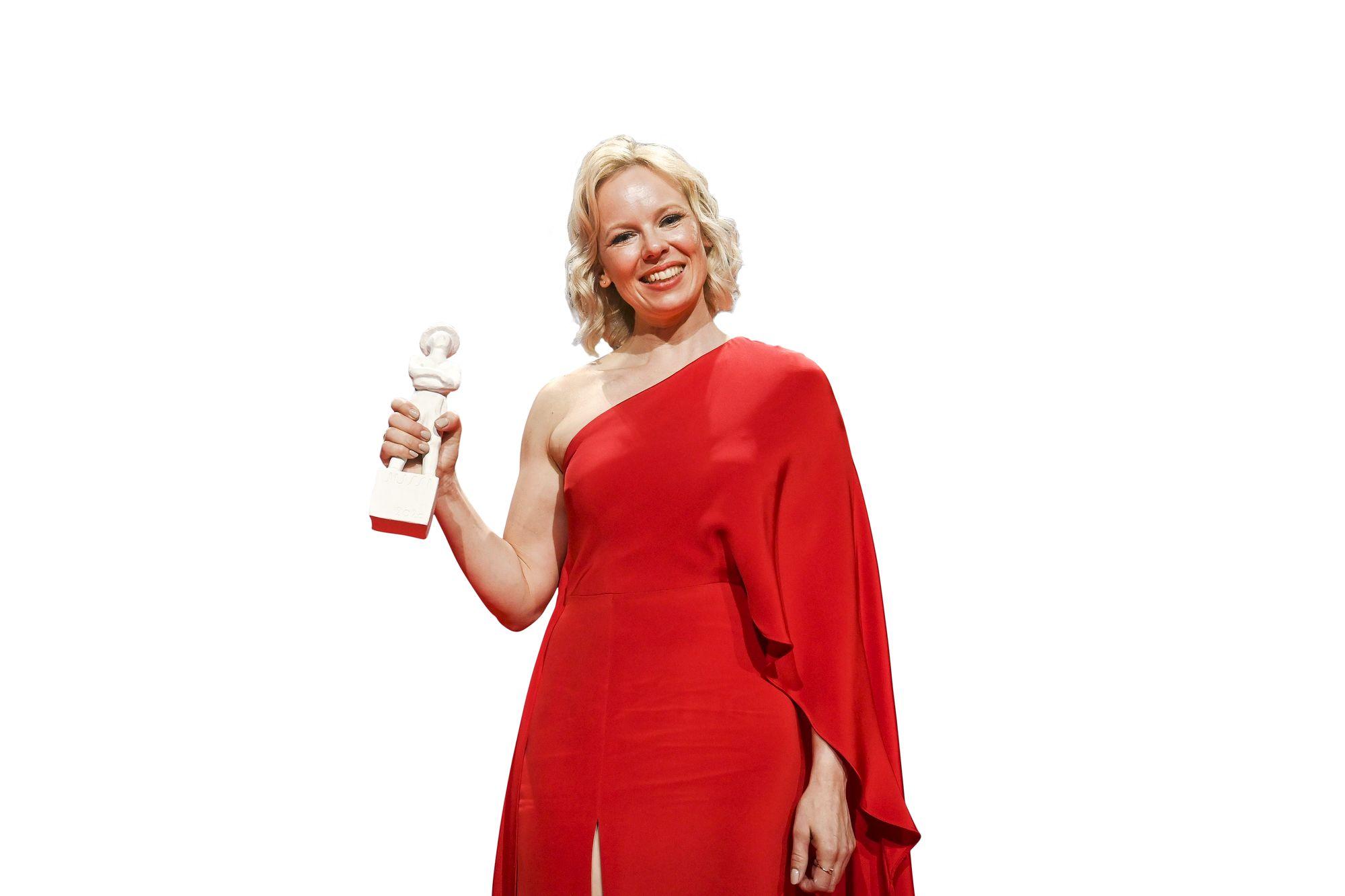 Tove -elokuva oli gaalan palkintorohmu vieden seitsemän pystiä. Alma Pöysti palkittiin parhaasta naispääosasta ja Zaida Bergroth parhaasta ohjauksesta. © Lehtikuva