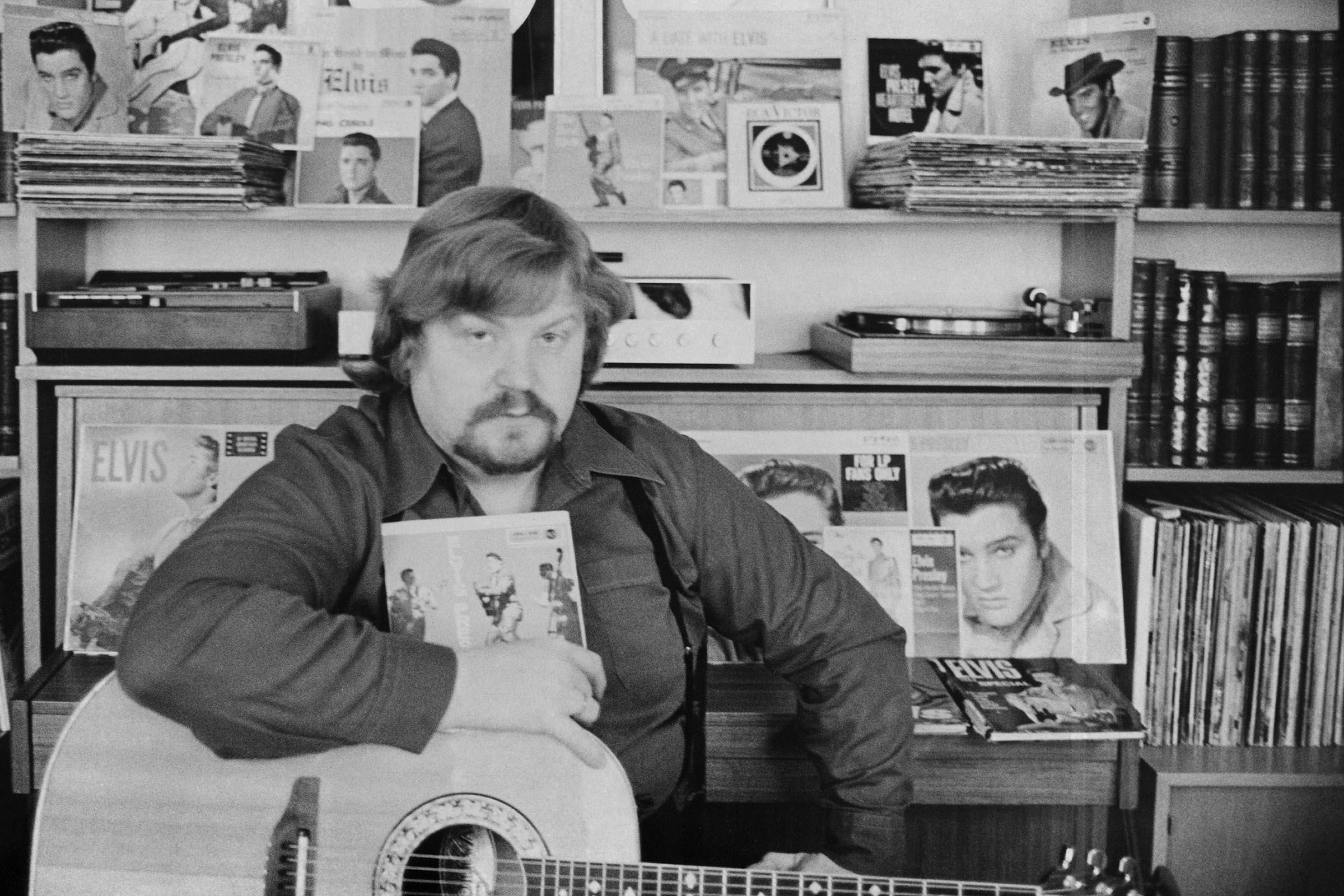 Laulaja Jussi Raittinen vuonna 1977.