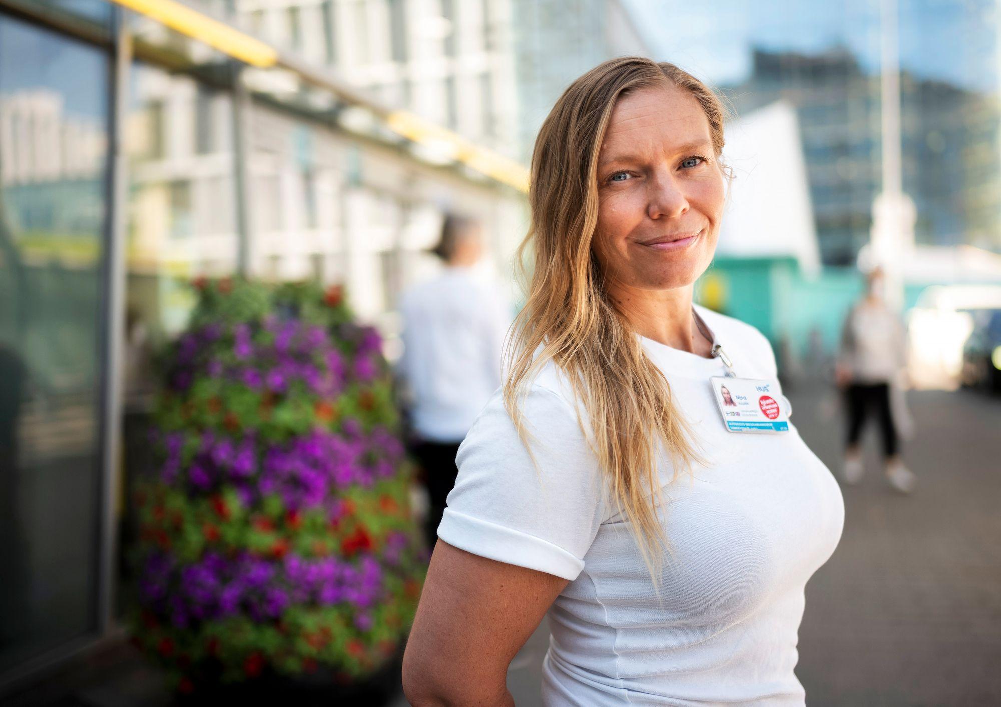 Korona pakotti matkaopas Nina Tallgrenin palaamaan Suomeen. Vaikka elämä hetkeksi synkkeni, osasi hän taas arvostaa synnyinmaansa parhaita puolia. © Arto Wiikari