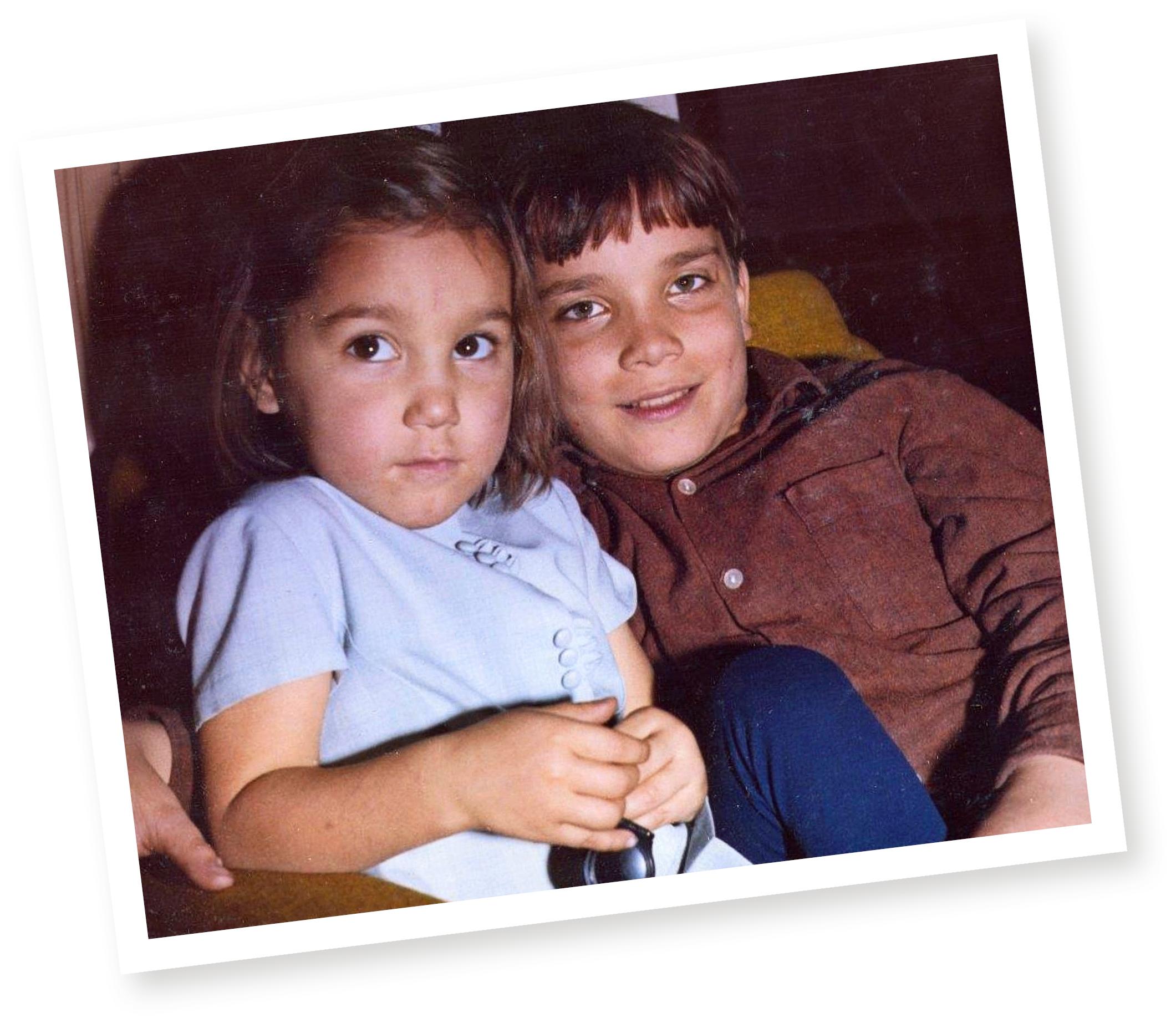 Kuusi vuotta vanhempi Timo-veli oli Tean tuki ja turva.